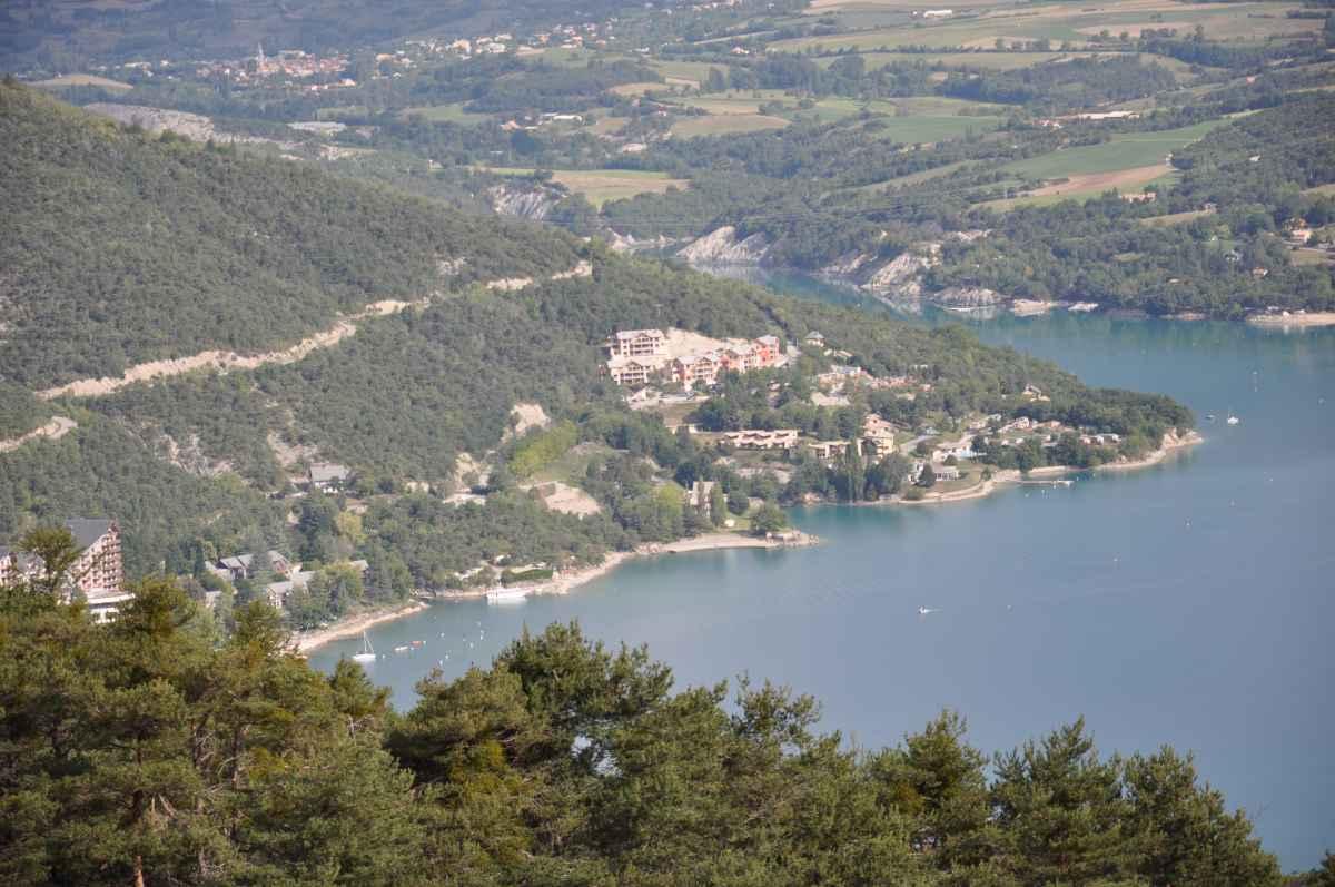Les Vall U00e9es Du Lac De Serre Pon U00e7on